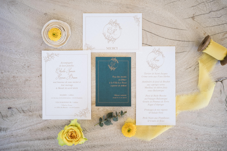 Papeterie mariage gypsophile couleur émeraude et moutarde